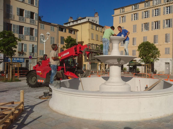 Fontaine Toulon place Monsenergue